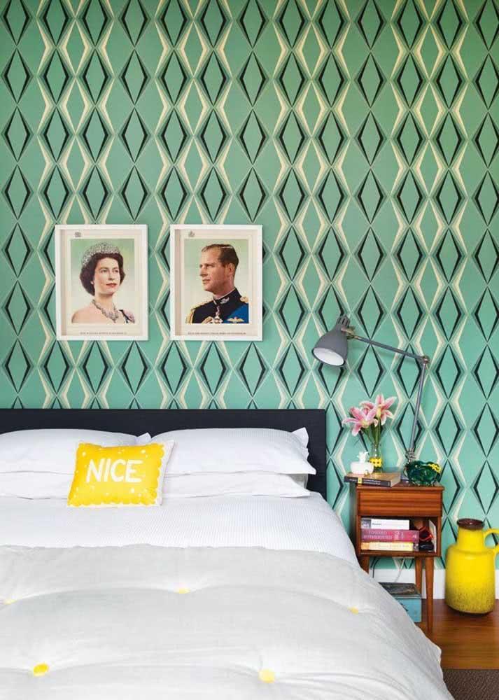 Desenhos geométricos e coloridos também são responsáveis por dar identidade a decoração do quarto.