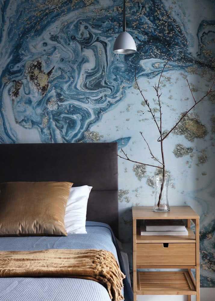 Existem muitas opções de desenhos, formatos e cores que se adaptam a um quarto de casal.
