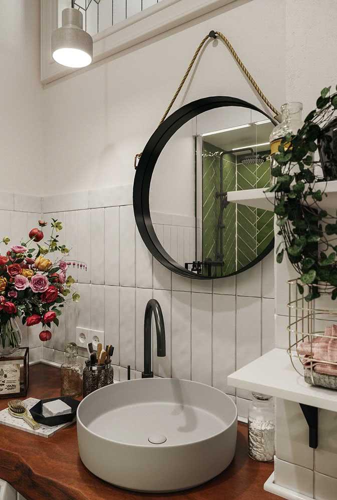 Flores na decoração do banheiro