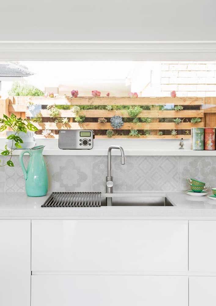 Cozinha com azulejo com desenho de cubos
