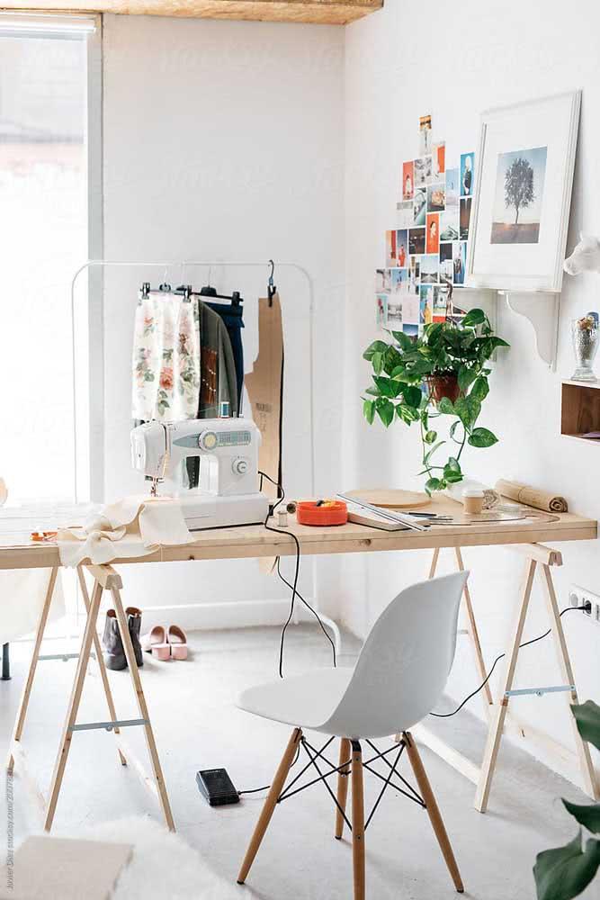 Mesa cavalete para o atelier de costura