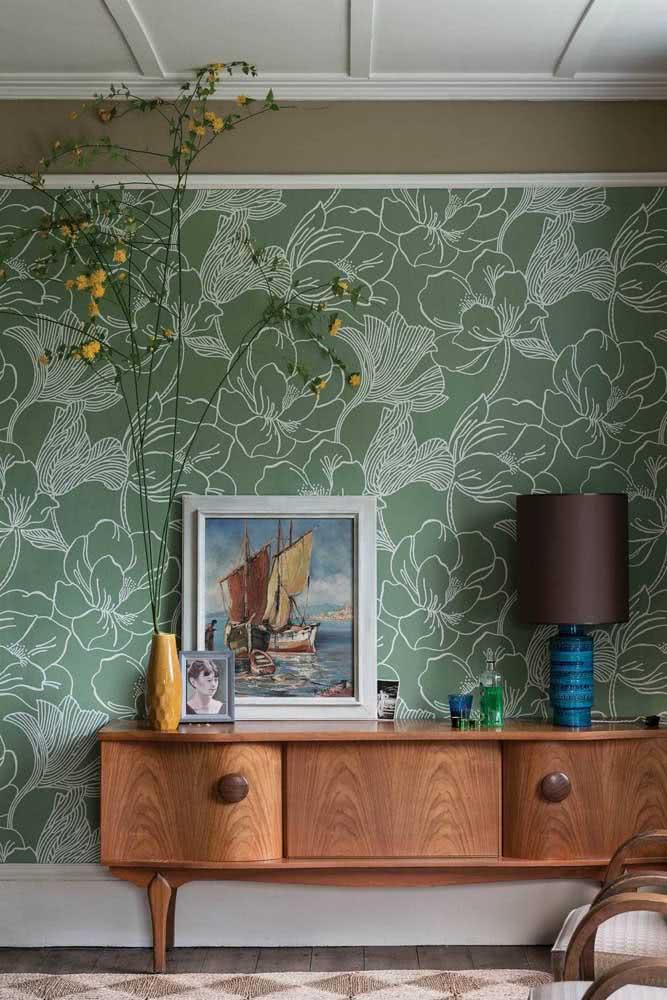 Papel de parede floral vintage em harmonia com a decoração do ambiente