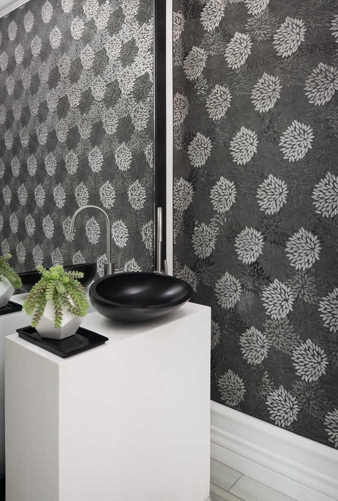 Papel de parede floral moderno em preto e branco