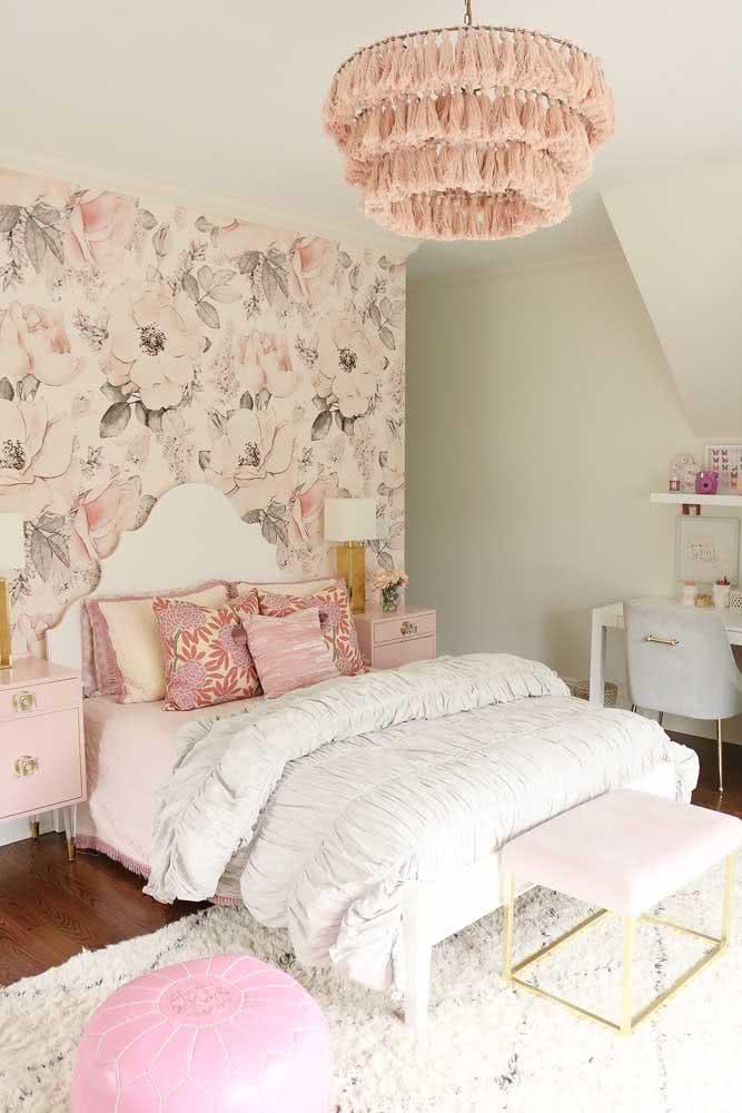 Romantismo e delicadeza para o papel de parede floral do quarto de casal