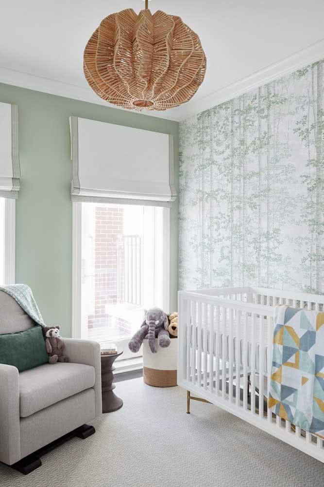 Parede verde menta no quarto do bebê: suave e delicado