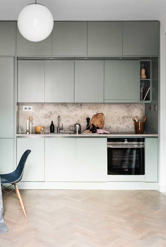 Seja moderna ou retrô, a cozinha verde menta sempre é original e irreverente