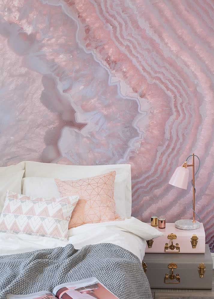 Um papel de parede diferentão para o quarto feminino cheio de estilo