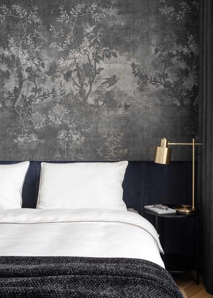 O que acha de uma paisagem na cabeceira da cama?