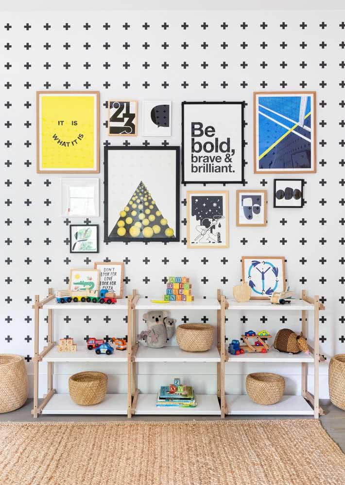 Complete a decoração do papel de parede de criança com quadros lúdicos