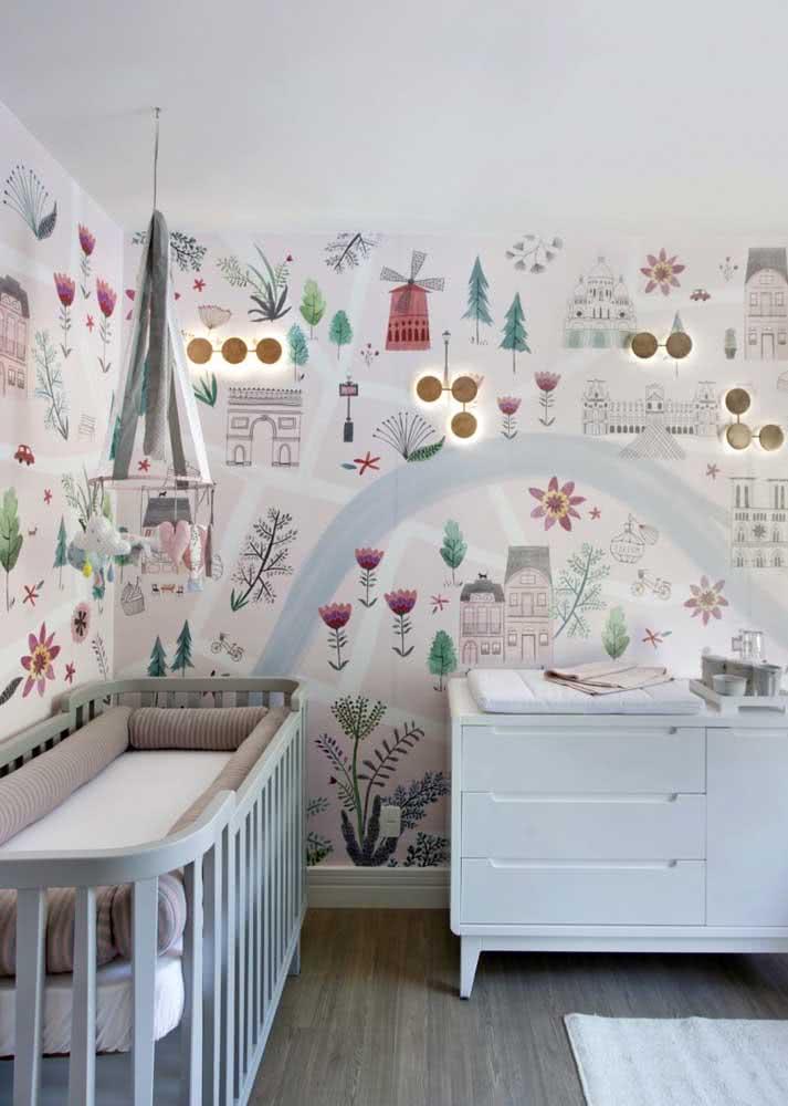 Flores e pontos turísticos decoram esse papel de parede para quarto de bebê
