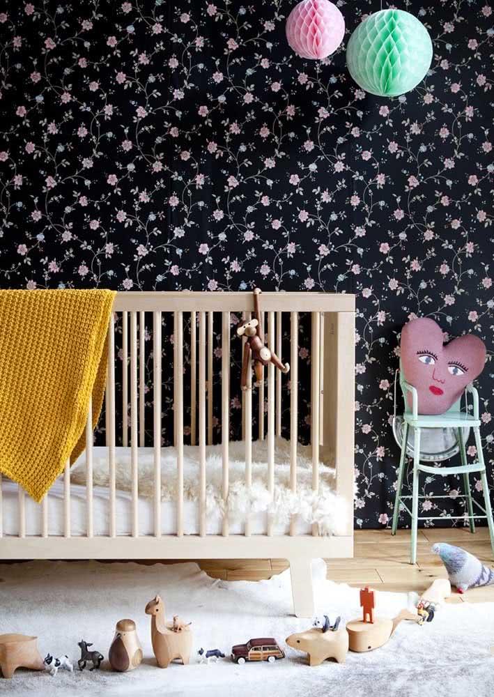 Já pensou usar um papel de parede preto para quarto de bebê?