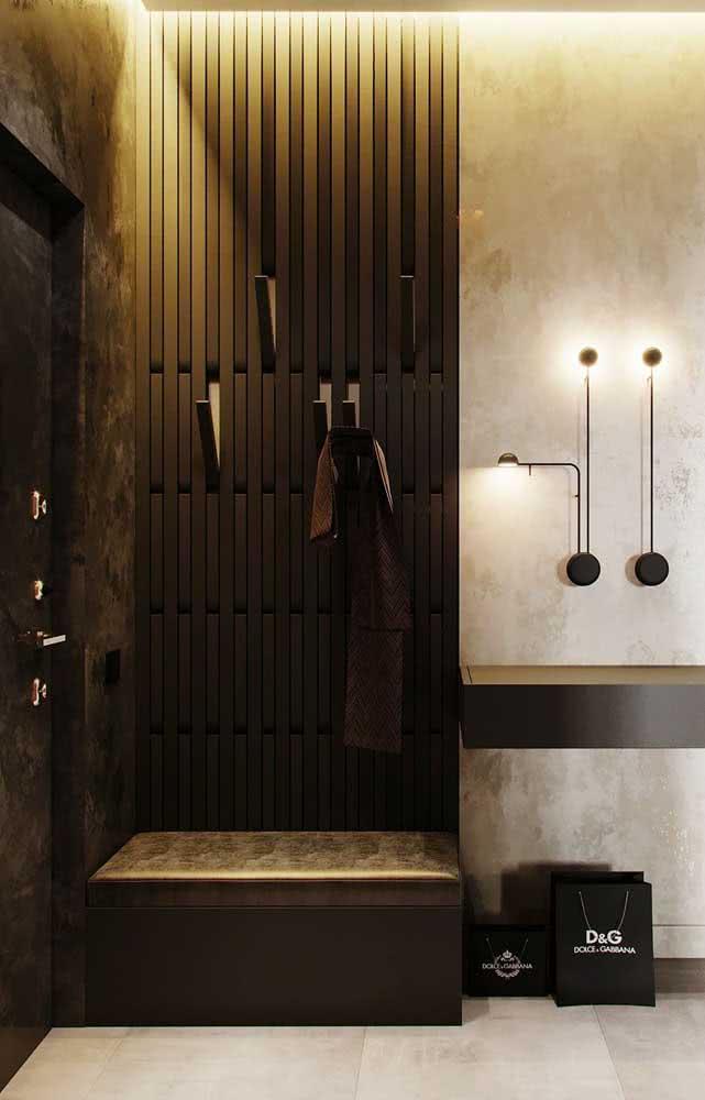 A iluminação faz toda diferença na decoração do hall de entrada pequeno
