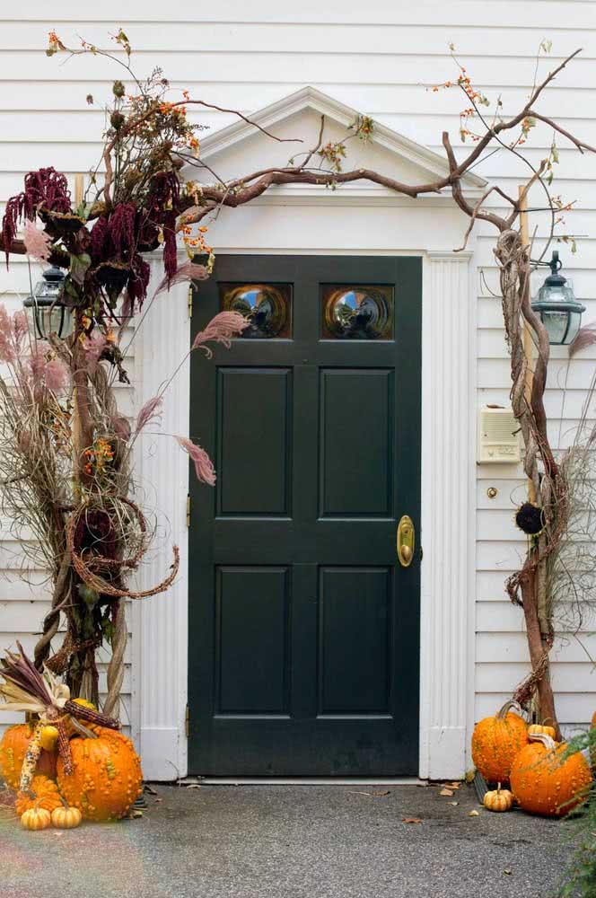 As tradicionais abóboras na entrada da casa anunciando que é dia das bruxas!