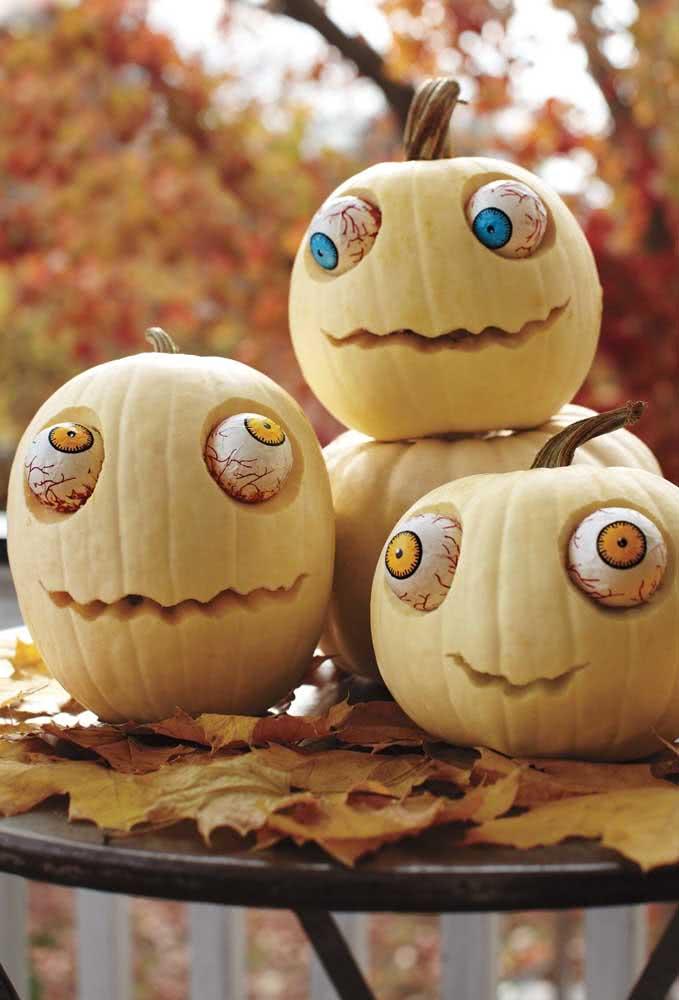 Nessa inspiração, as abóboras de halloween ganharam um tom lúdico e divertido