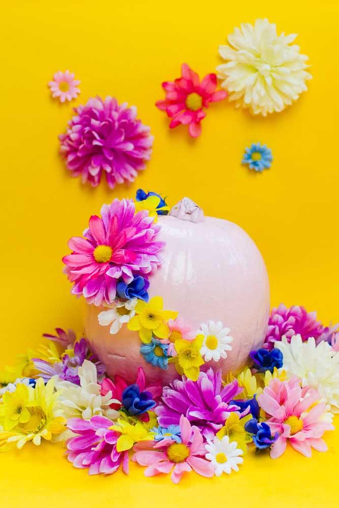 Que tal uma abóbora de halloween florida e colorida?
