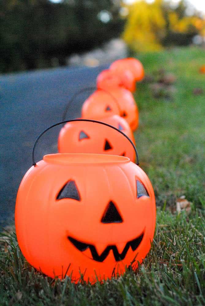 Lanternas de halloween tradicionais são feitas com abóboras