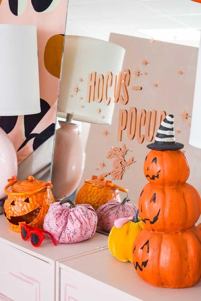 Reserve um cantinho da casa para expor as abóboras de halloween
