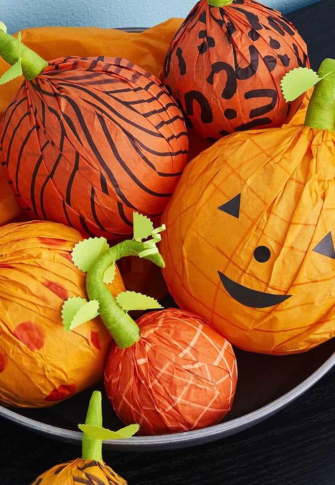 Abóboras de halloween em papel para encher a fruteira da casa