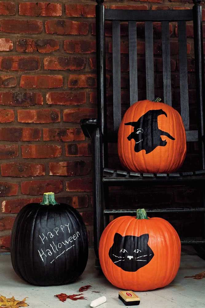 Bruxas, gatos e abóboras para um típico halloween