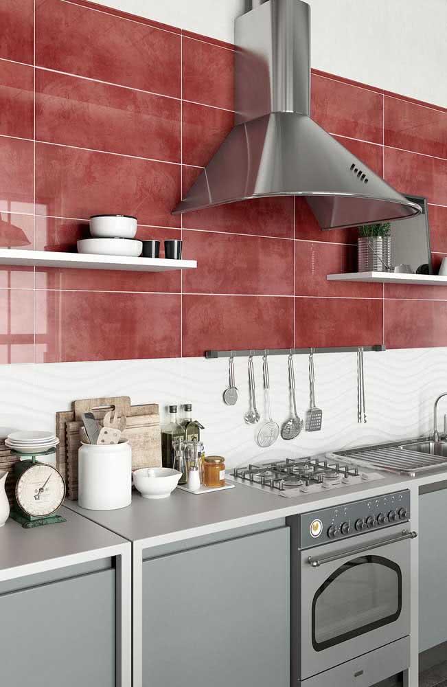 Que tal uma cerâmica vermelha para cozinha?