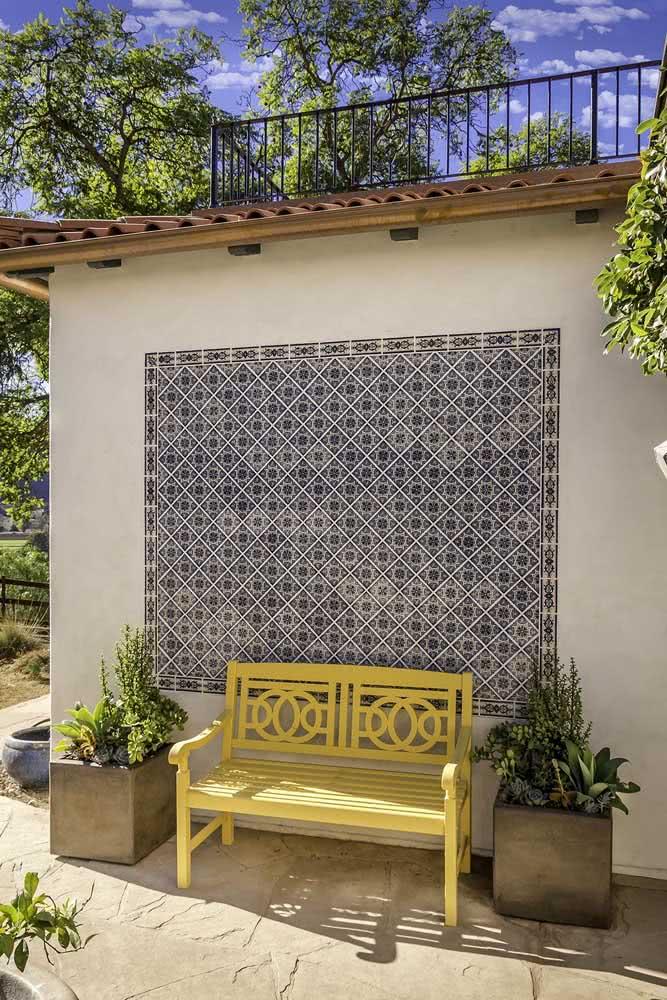 Forme um mural na área externa com a cerâmica para parede