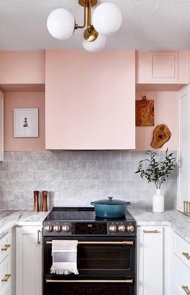 Cerâmica para parede cozinha cinza em sintonia com a cor da bancada