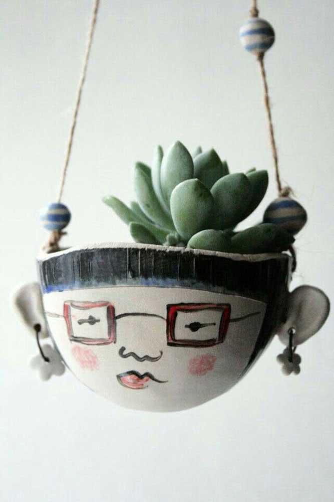 Faça vasos criativos para suculentas desenhando carinhas