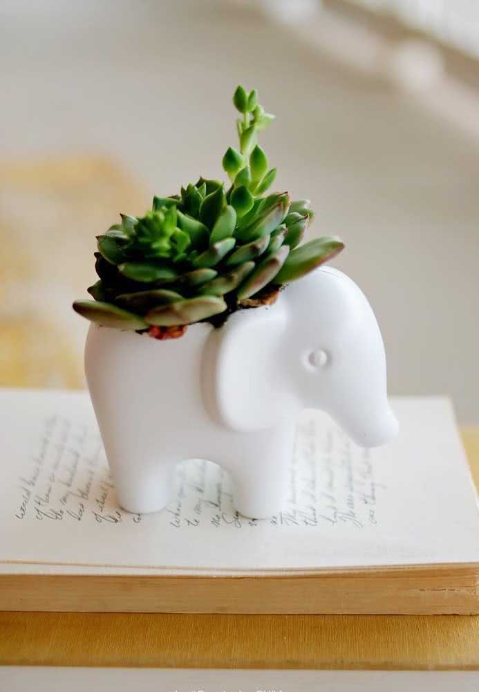 Mini vaso para suculenta em formato de elefante
