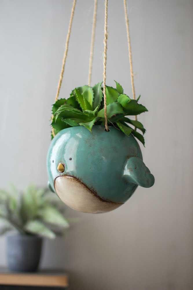 Vaso suspenso para suculenta em cerâmica com aquele toque lúdico que todo mundo ama