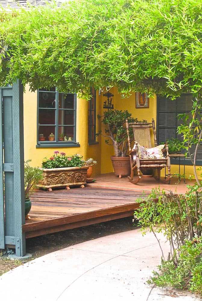 E o que acha de combinar amarelo e azul esverdeado na fachada?