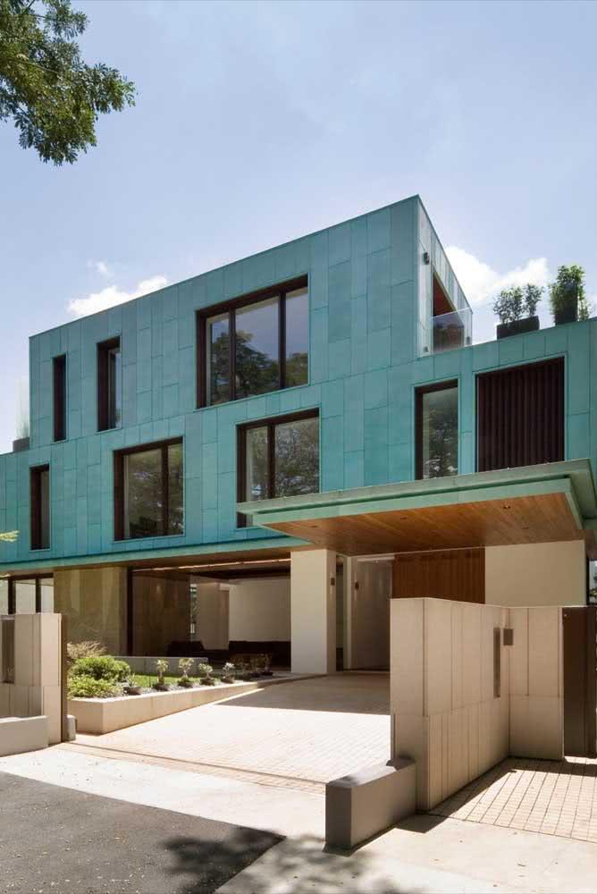 Já pensou em incluir o verde água na sua lista de cores de casas modernas?