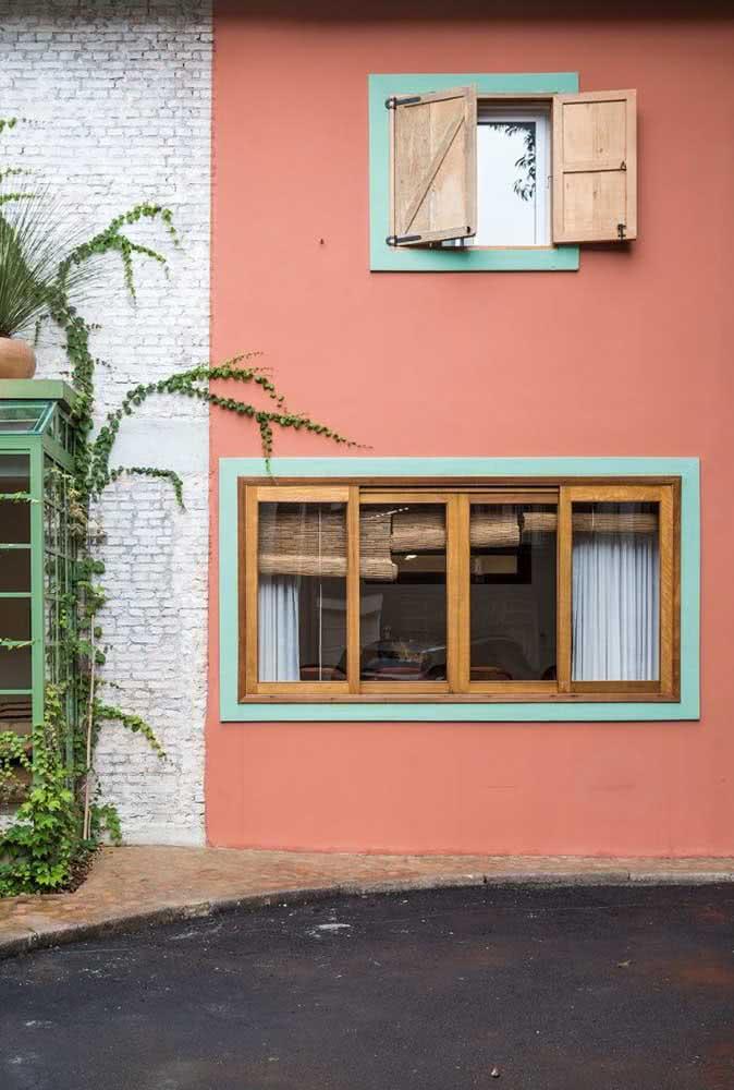 Aqui, as cores de casas modernas se destacam pelo contraste