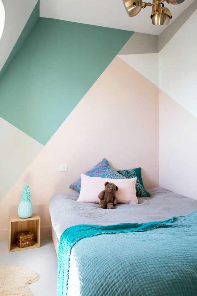 Pintura geométrica na parede para quarto infantil: tons claros e suaves
