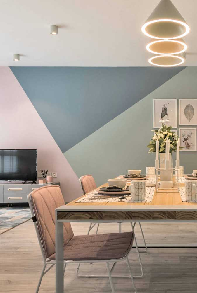 Triângulos em três cores: uma ótima opção de pintura geométrica para quem tem pouca familiaridade com tintas e pinceis