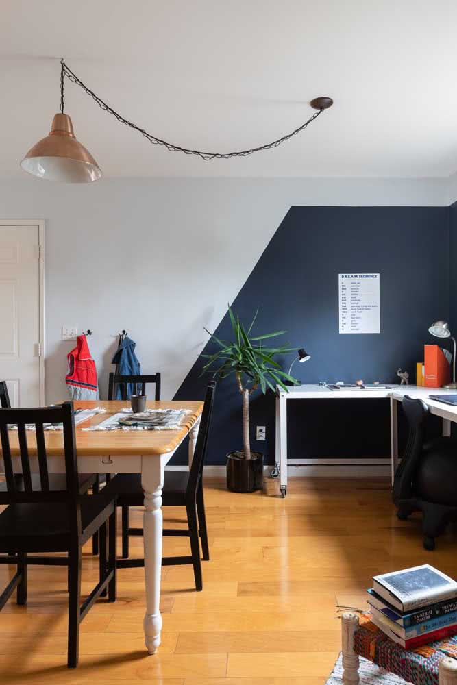Pintura geométrica azul e branco: moderna, sem perder a neutralidade
