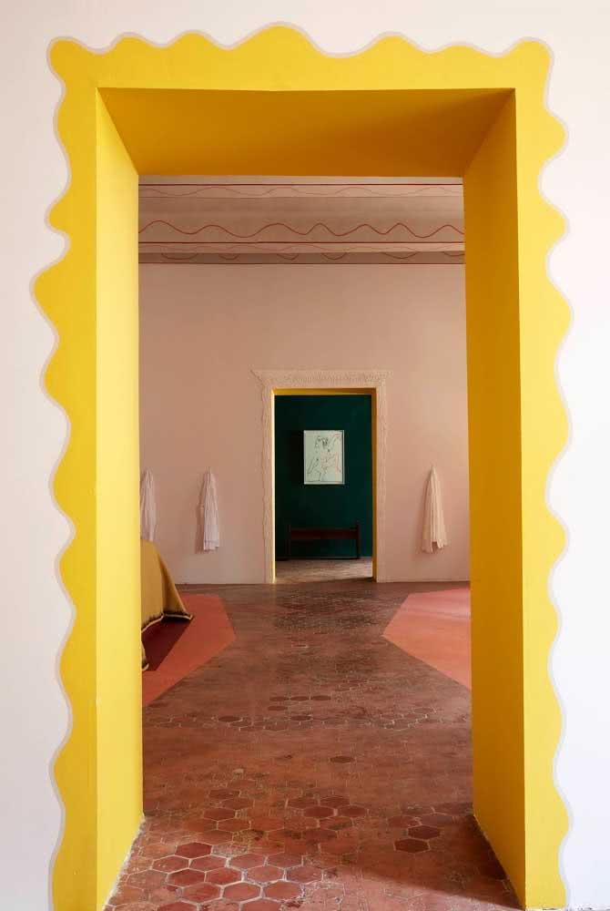 Um portal no corredor! Basta usar tinta e criatividade