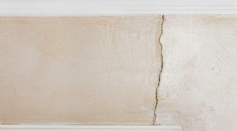 Rachadura na parede: conheça as causas, tipos e como evitá-las