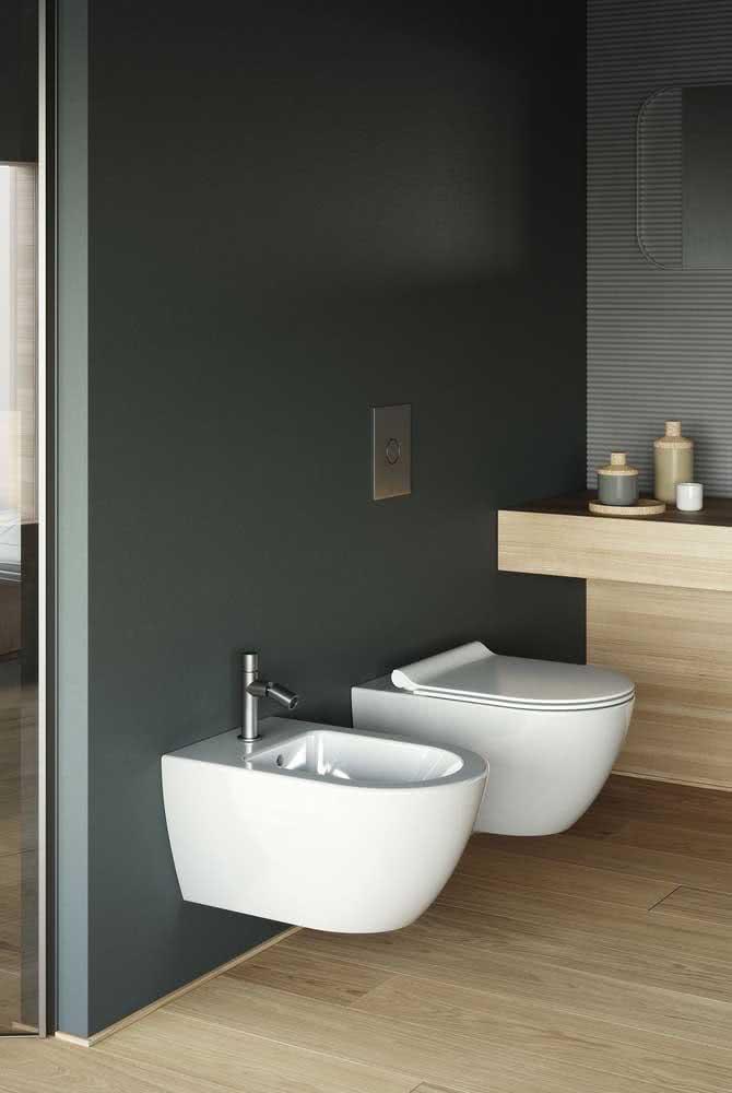 Bidê simples e moderno acompanhando o design do vaso sanitário