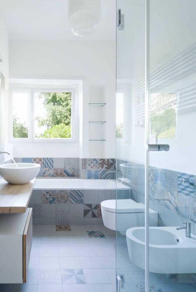 Trio fantástico: banheira, bidê e vaso sanitário