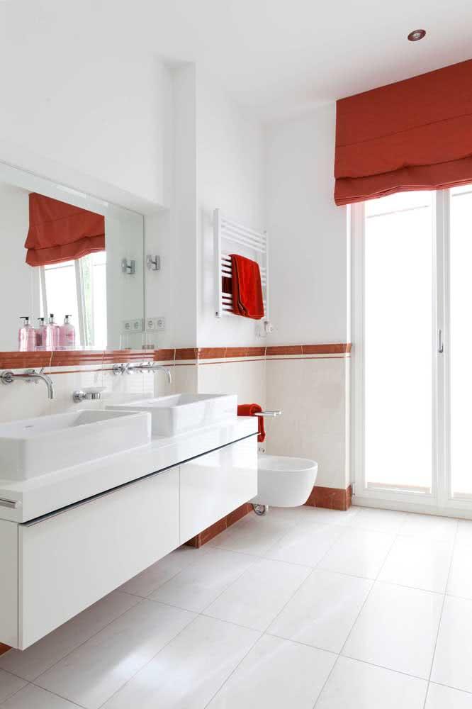 Aqui, as toalhinhas complementam o uso do bidê