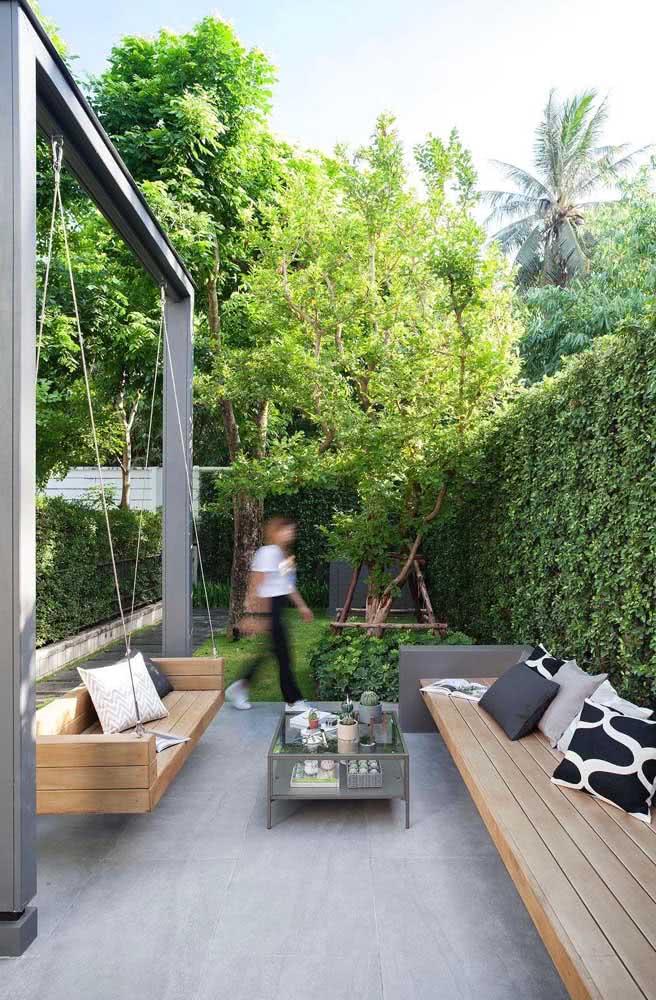 Quintal pequeno com jardim: um oásis para te acolher no fim do dia