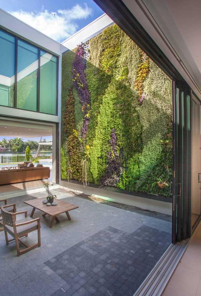 Jardim vertical artificial externo: não precisa se preocupar com irrigação