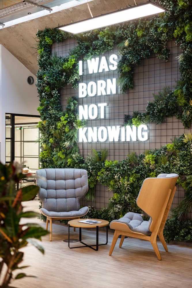 Jardim vertical artificial interno para ornamentar a recepção comercial