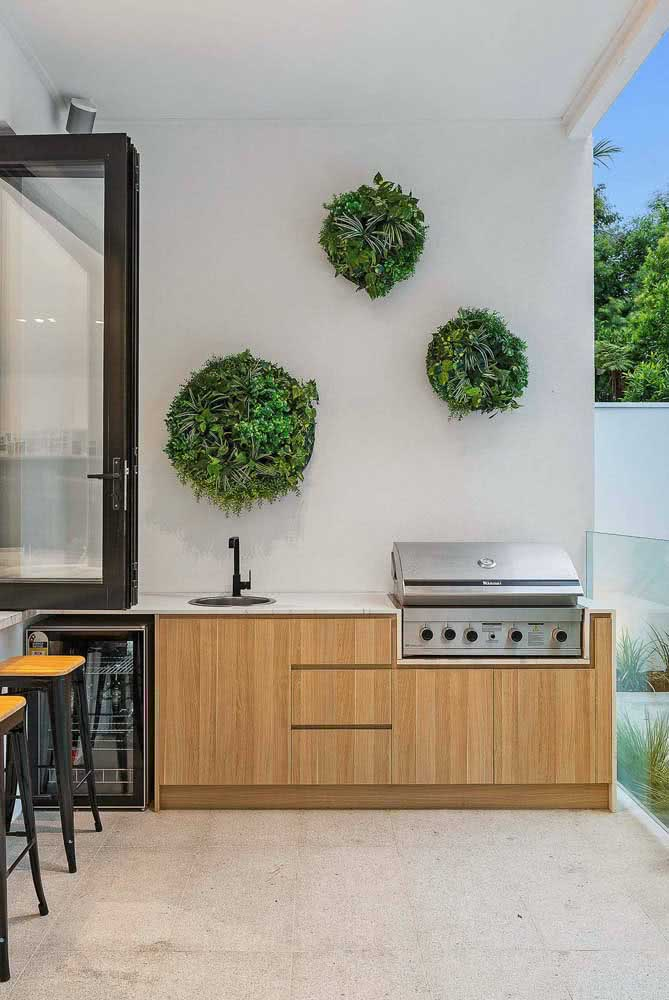 Jardim vertical artificial em formato circular
