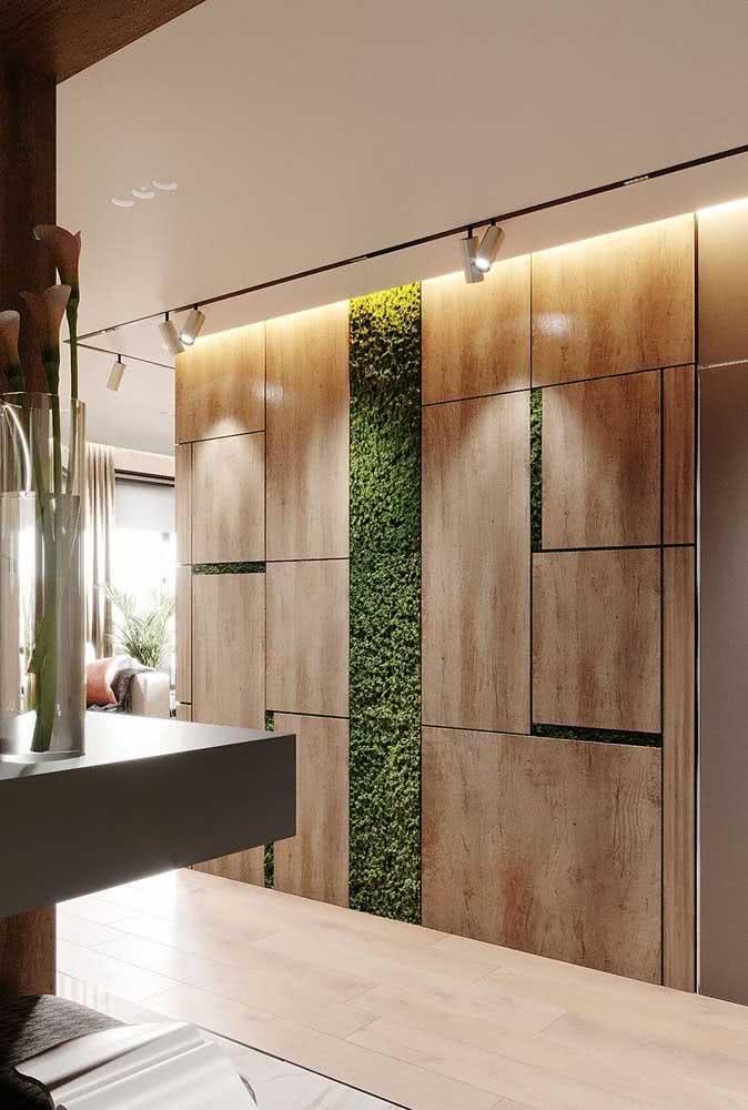 Mude a cara de um corredor sem graça com o jardim vertical artificial