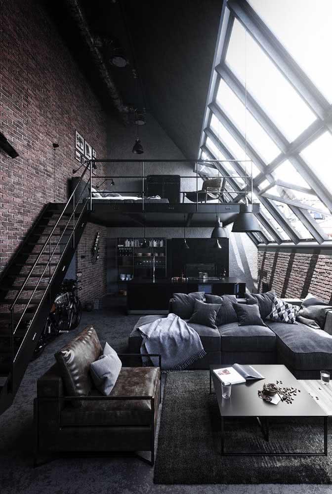 Loft industrial antigo super valorizado pelas janelas de design moderno
