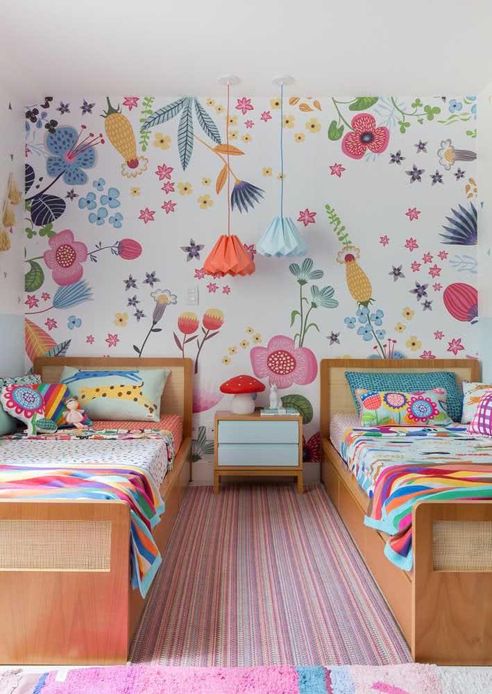 Papel de parede para quarto feminino juvenil: alegria e descontração