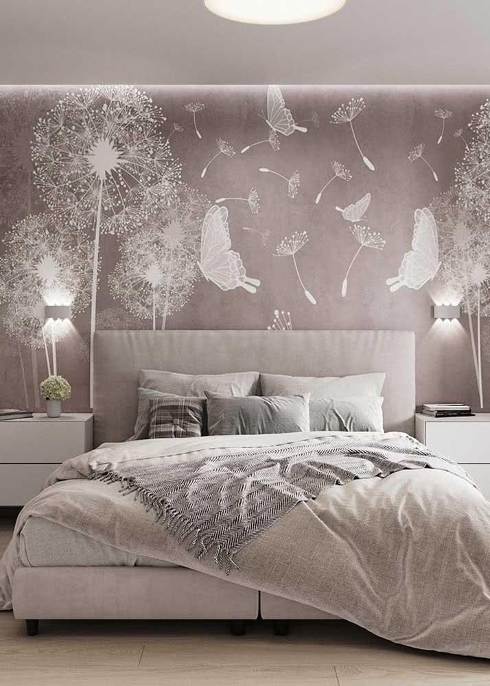 Olha que ideia linda de papel de parede para quarto feminino clássico