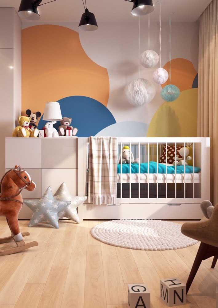 Papel de parede para quarto de bebê feminino que passa longe do branco e rosa
