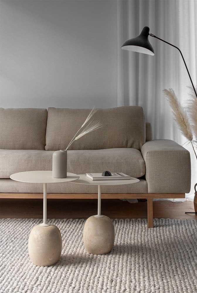 Mesa redonda de centro cheia de estilo para modernizar a sala de estar